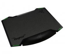 Razer Vespula - Dual-sided Gaming Mouse Mat with Wrist Rest